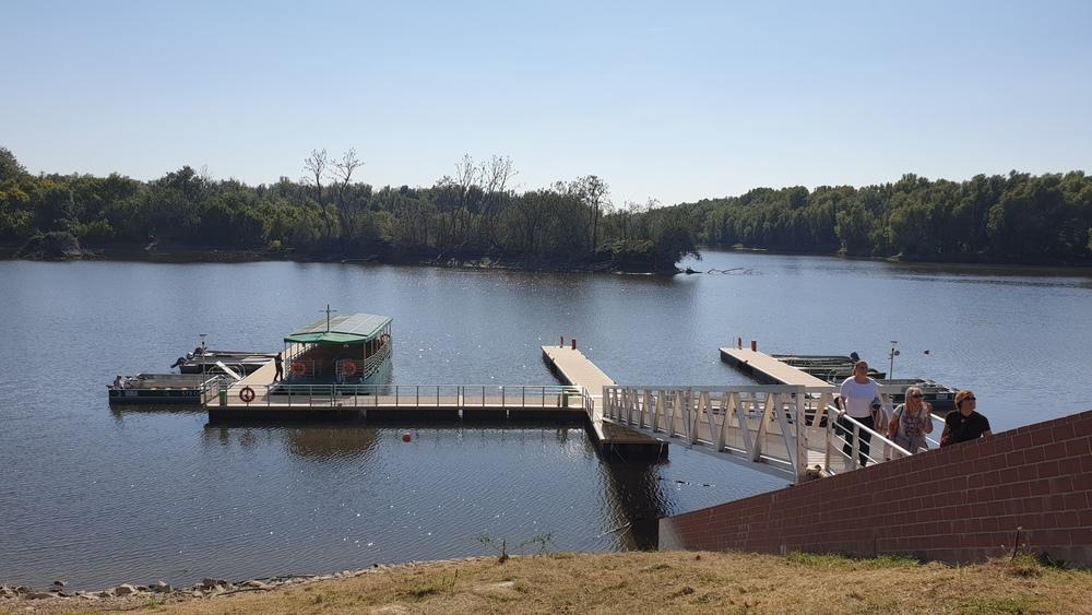 Pristanište na jezeru Veliki Sakadaš.