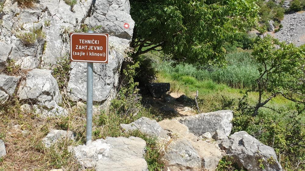 Staza prema manastiru Krupa
