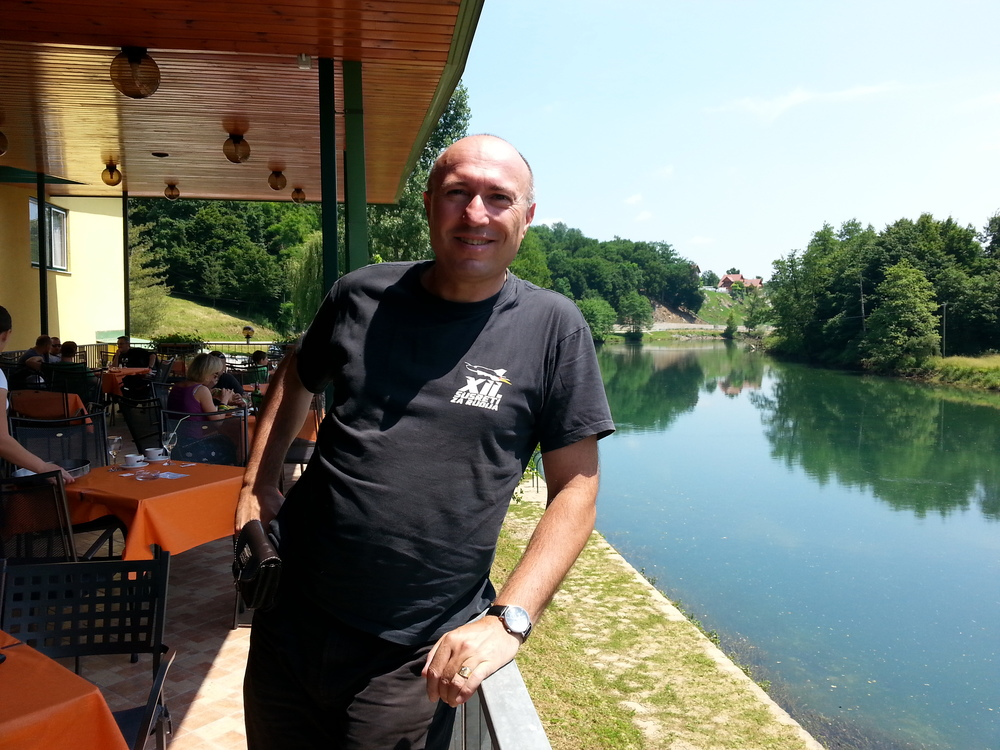 Terasa uz rijeku Dobru