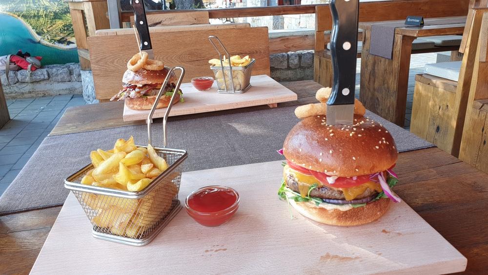 Abardeen Angus burger.