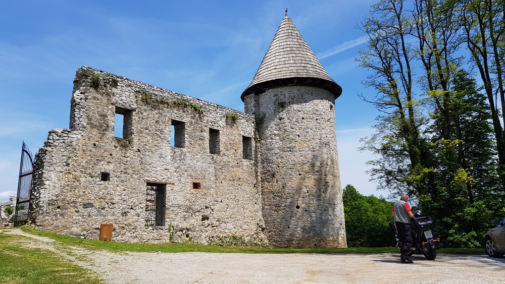 Stari grad Novigrad na Dobri