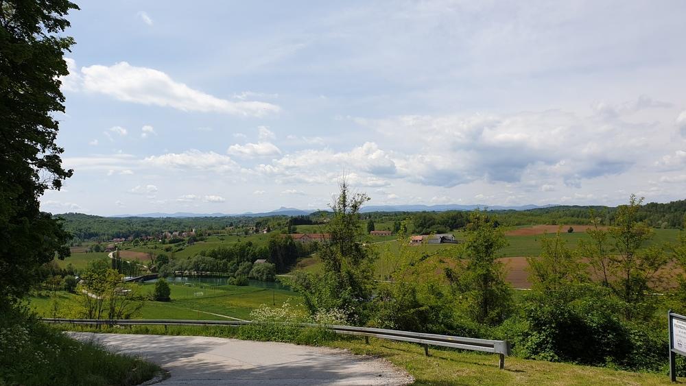 Pogled na dolinu Dobre, Gorski kotar i Klek