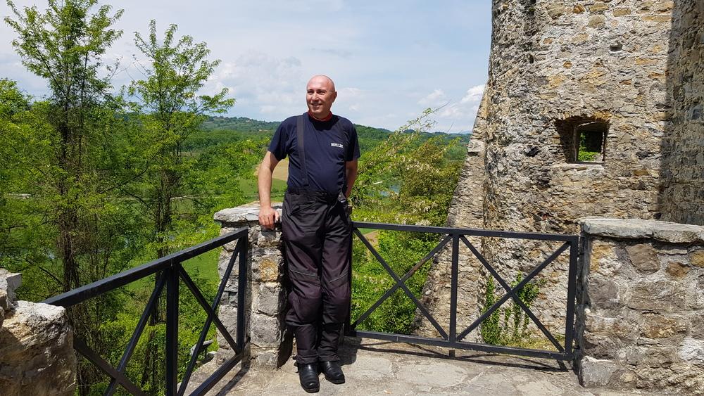 Na terasi s pogledom na dolinu Dobre